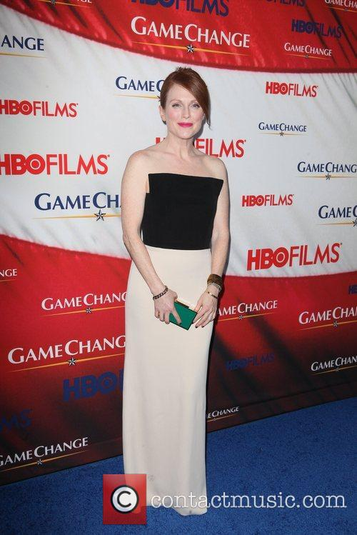 Julianne Moore and Ziegfeld Theatre 10