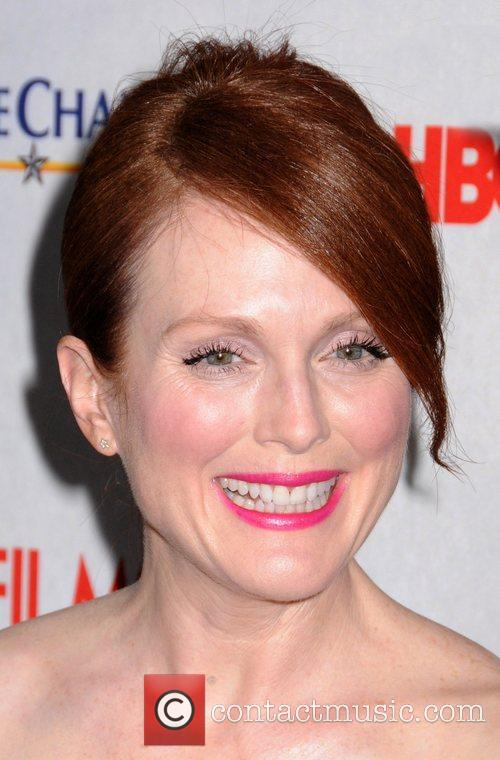 Julianne Moore and Ziegfeld Theatre 6
