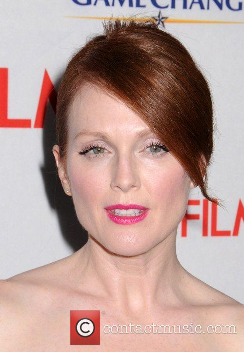 Julianne Moore and Ziegfeld Theatre 7