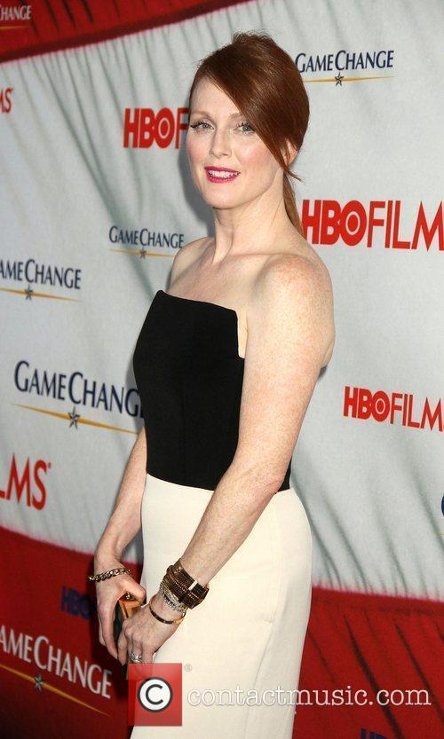 Julianne Moore and Ziegfeld Theatre 1