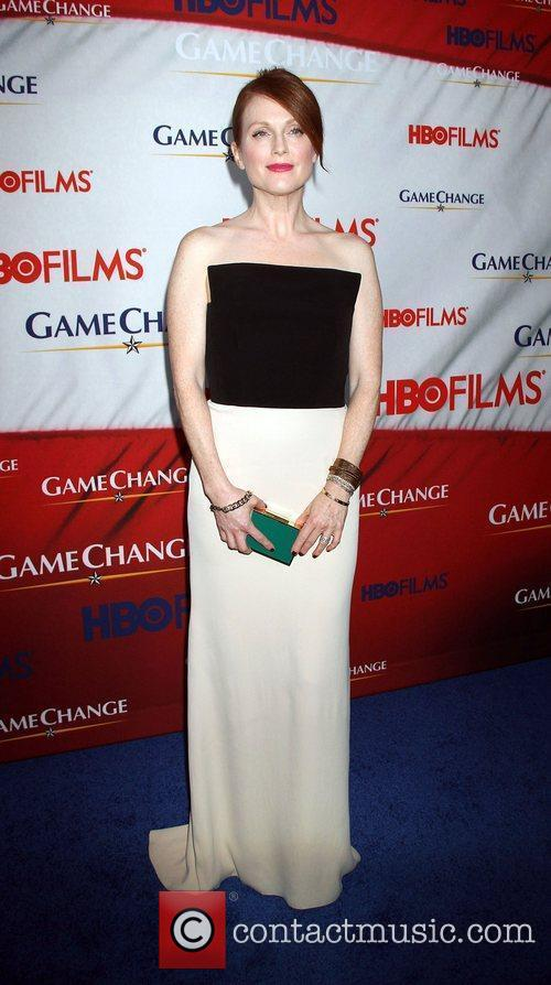 Julianne Moore and Ziegfeld Theatre 8