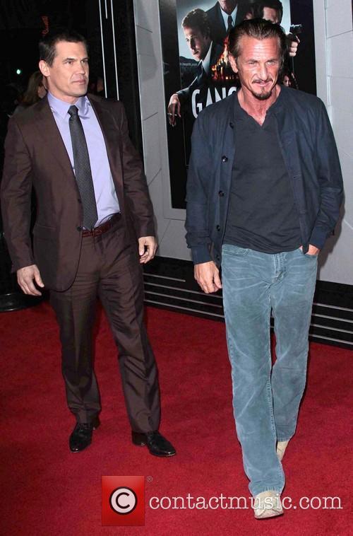 Josh Brolin, Sean Penn and Grauman's Chinese Theater 2