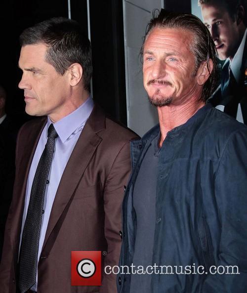 Josh Brolin, Sean Penn and Grauman's Chinese Theater 5