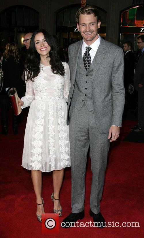 Abigail Spencer, Josh Pence and Grauman's Chinese Theater 2