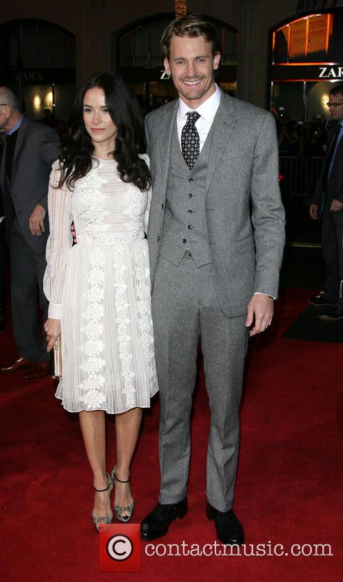Abigail Spencer, Josh Pence, Grauman's Chinese Theater