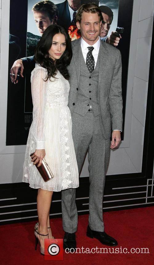 Abigail Spencer, Josh Pence and Grauman's Chinese Theater 1