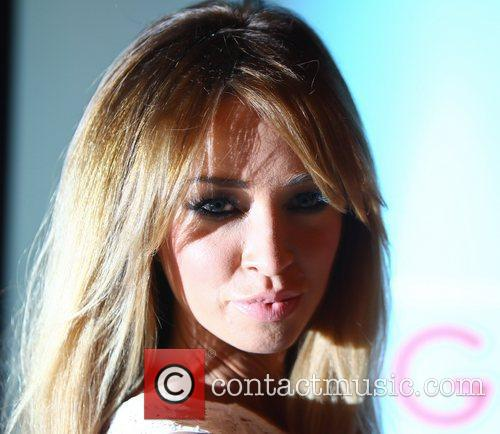 Lauren Pope and O2 Arena 5