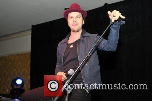 gavin degraw performs at the fairmont hotel 5942656