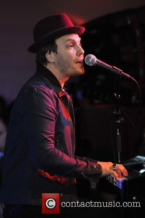 Gavin Degraw, Fairmont Hotel and Chicago 10