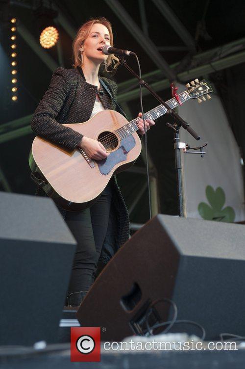 Gemma Hayes and Trafalgar Square 3