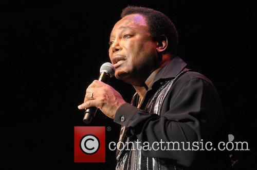 george benson performs at the royal albert 5871105