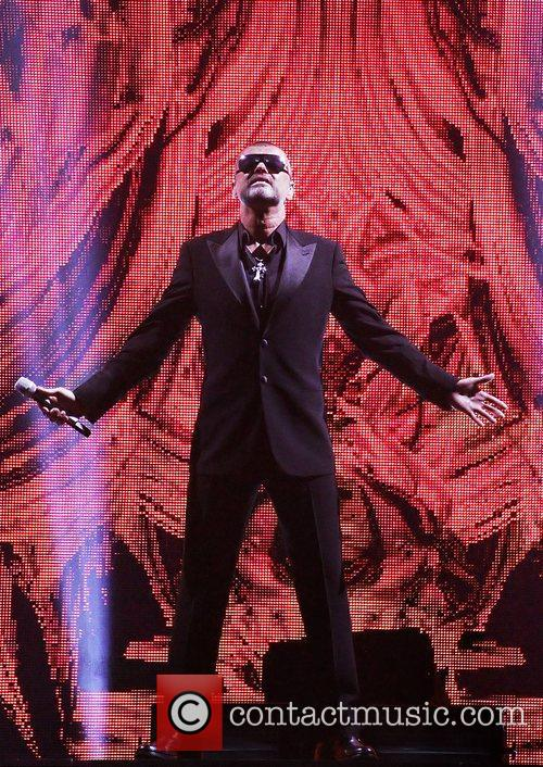 George Michael, Symphonica Tour and Manchester Evening News Arena 7