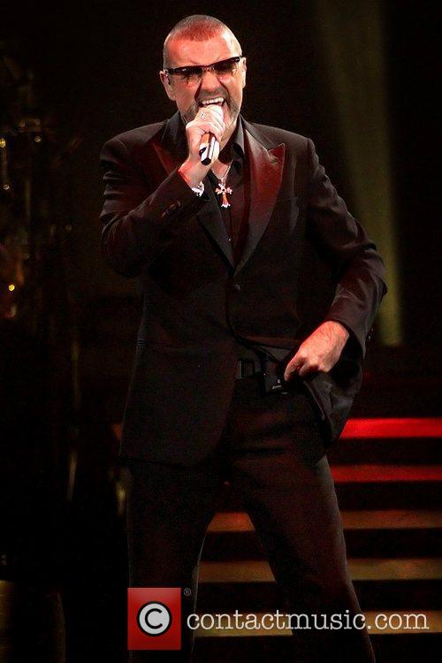 George Michael, Symphonica Tour and Manchester Evening News Arena 8