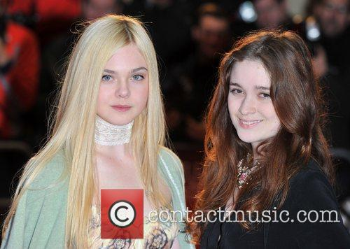 Elle Fanning and Alice Englert 7