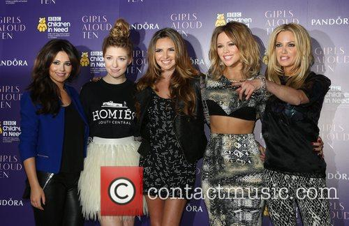 Cheryl Cole, Nicola Roberts, Nadine Coyle, Kimberley Walsh and Sarah Harding 9