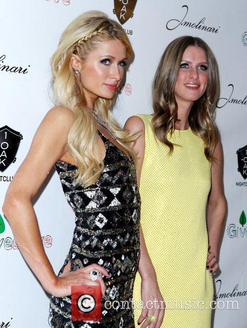 Paris Hilton and Nicky Hilton 1 OAK Las...