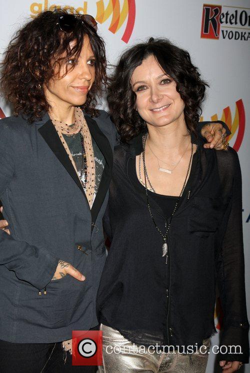 Linda Perry and Sara Gilbert 1