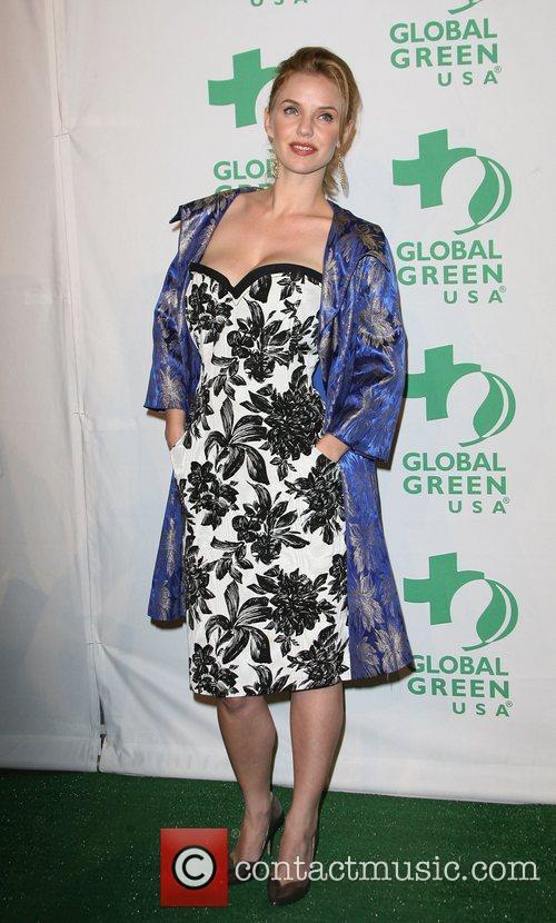 Kelli Garner 4