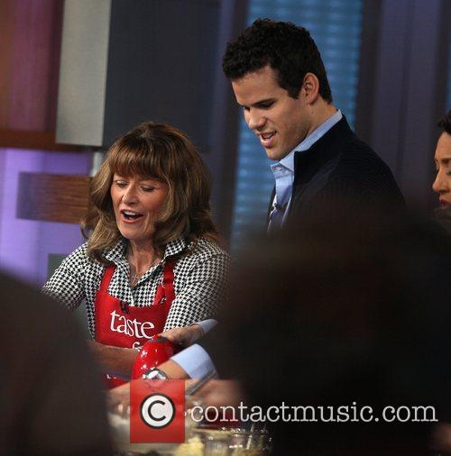 Kris Humphries and Good Morning America 9