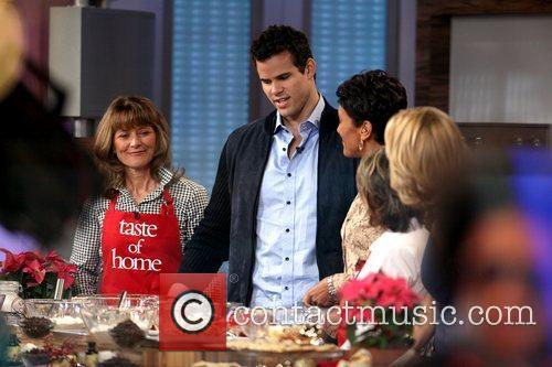 Kris Humphries, Robin Roberts and Good Morning America 8