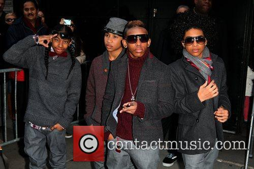 Mindless Behavior and Abc Studios 7