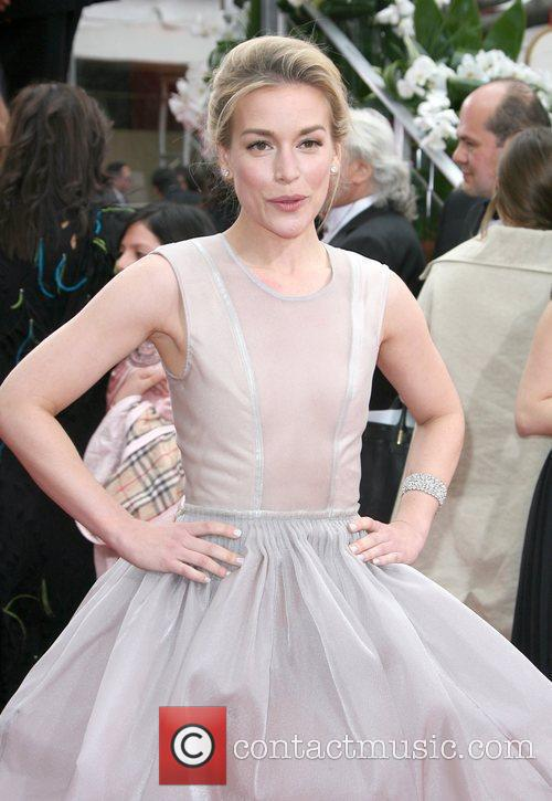Piper Perabo, Golden Globe Awards and Beverly Hilton Hotel 4