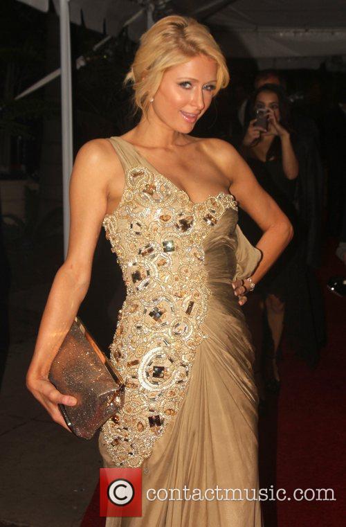 Paris Hilton, Golden Globe Awards and Beverly Hilton Hotel 4