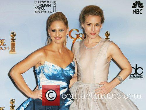Sarah Michelle Gellar, Piper Perabo, Golden Globe Awards and Beverly Hilton Hotel 2