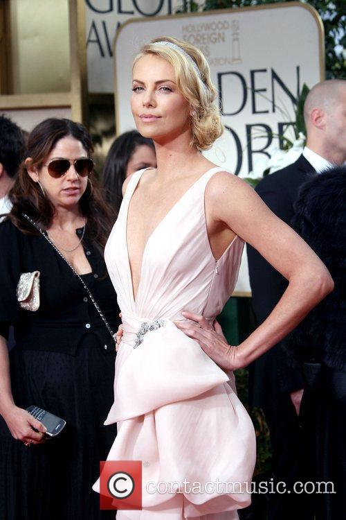Charlize Theron, Golden Globe Awards and Beverly Hilton Hotel 4