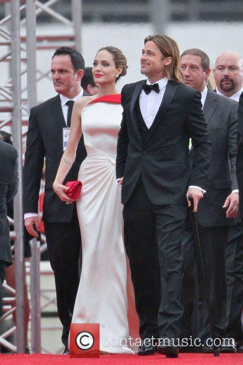 Angelina Jolie, Brad Pitt, Golden Globe Awards and Beverly Hilton Hotel 4