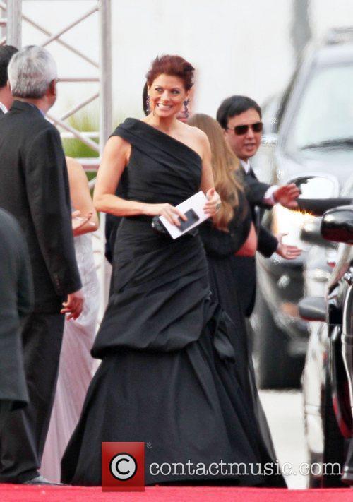 Debra Messing, Golden Globe Awards and Beverly Hilton Hotel 1