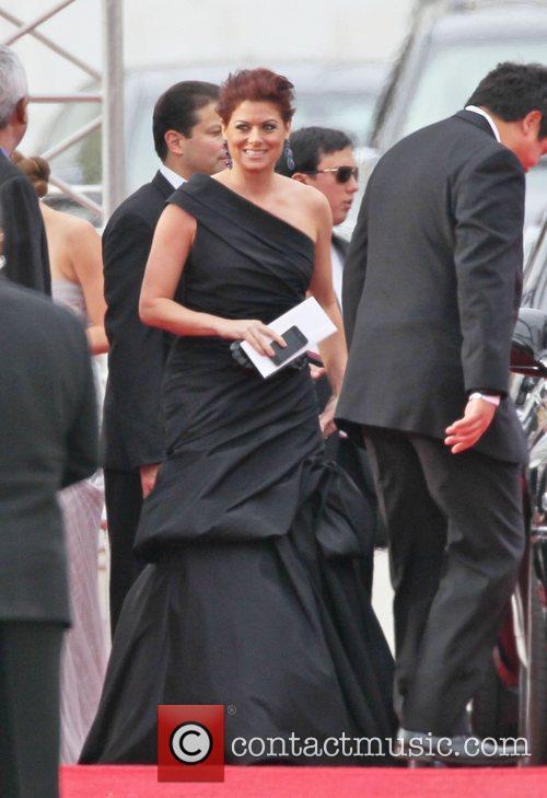 Debra Messing, Golden Globe Awards and Beverly Hilton Hotel 8