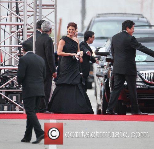 Debra Messing, Golden Globe Awards and Beverly Hilton Hotel 10