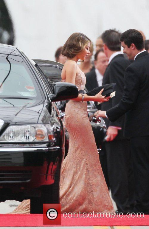 Sarah Hyland, Golden Globe Awards and Beverly Hilton Hotel 6