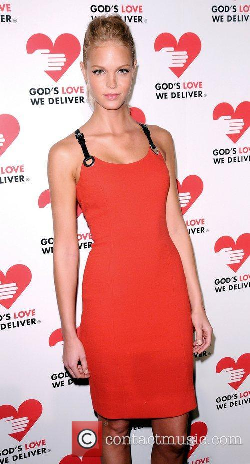 Erin Heatherton at the God's Love We Deliver...