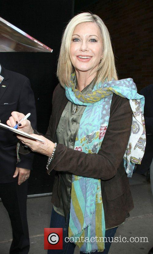 Olivia Newton-john and Good Morning America 6
