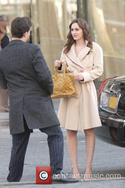 Ed Westwick and Leighton Meester 7