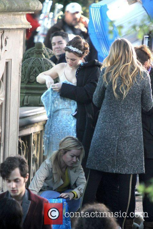 Leighton Meester and Central Park 16