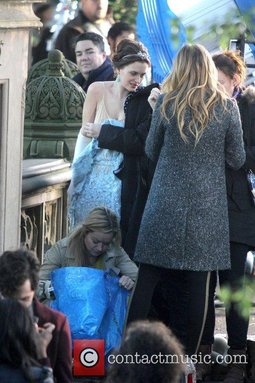 Leighton Meester and Central Park 13