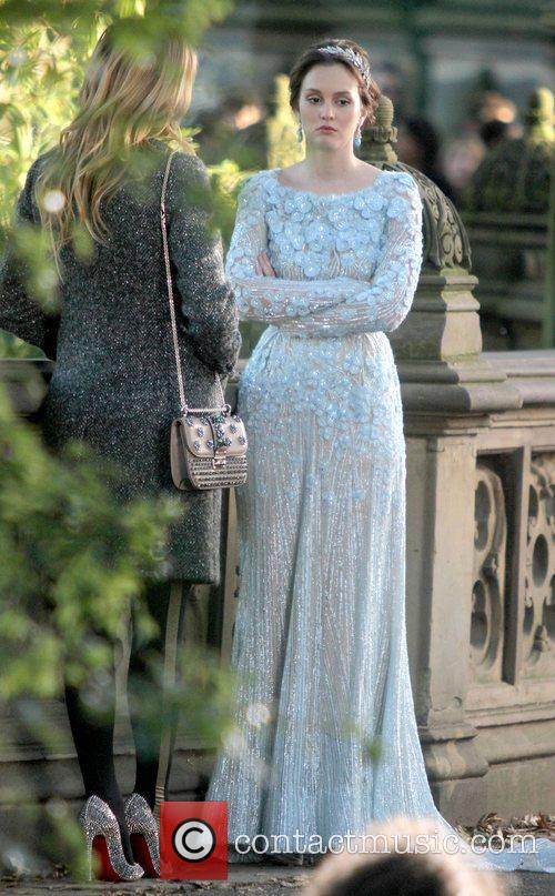 Leighton Meester and Central Park 20