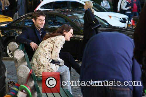 Leighton Meester and Chase Crawford 5