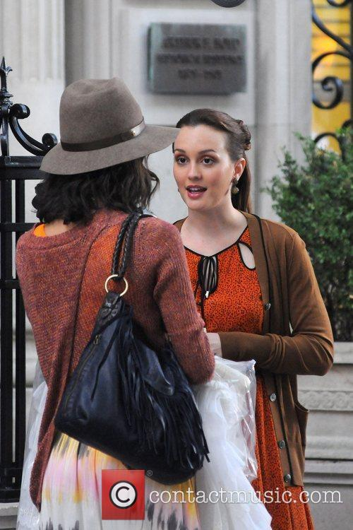 leighton meester filming on the set of 5895406