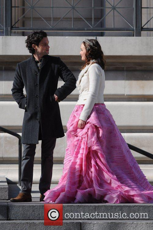 Penn Badgley and Leighton Meester  on the...
