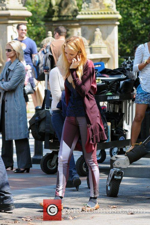 Blake Lively  on the set of 'Gossip...
