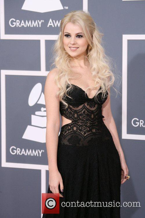 Mika Newton, Foo Fighters, Grammy