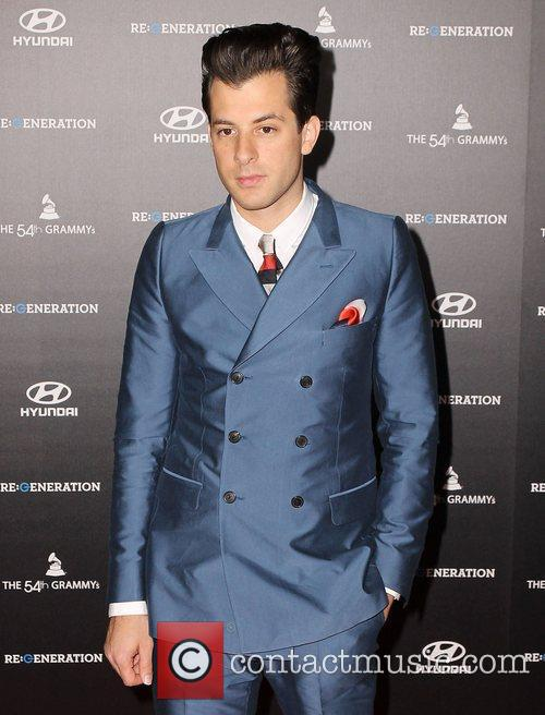 Mark Ronson and Grauman's Chinese Theatre 2