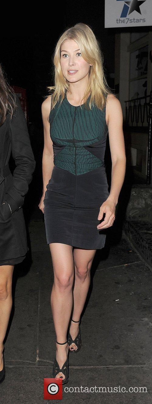 rosamund pike leaving groucho private members club 4031217
