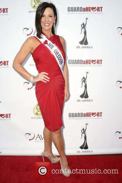 Miss Oregon Miss America contestants attend the Guard...