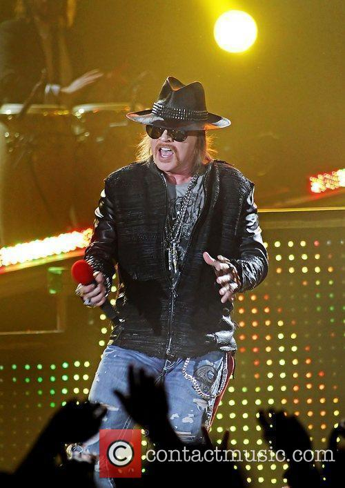 Axl Rose and Liverpool Echo Arena 5