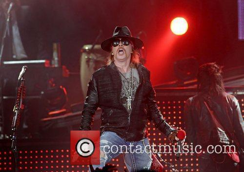 Axl Rose and Liverpool Echo Arena 7